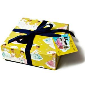"""Andrea Garland Set Подарочный набор """"Девушки с подарками"""""""