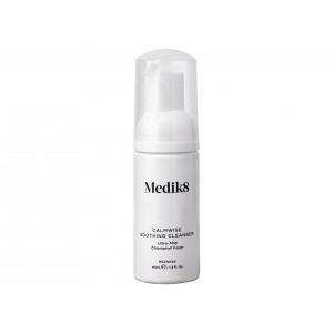 Medik8 Calmwise Soothing Cleanser Ultra-Mild Chlorophyll Foam Очищающая пенка для чувствительной кожи 40 мл
